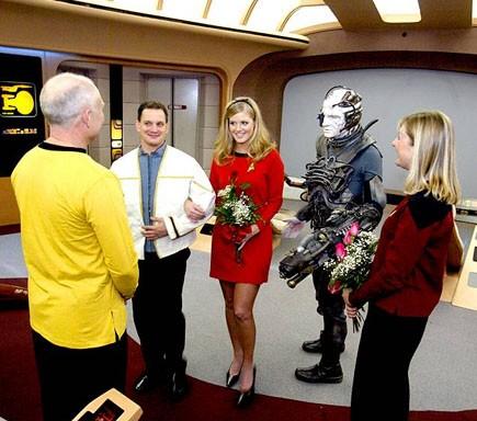 Star Trek Wedding via Mentalfloss