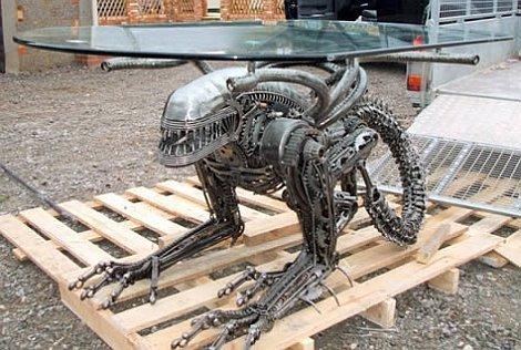 Alien Table