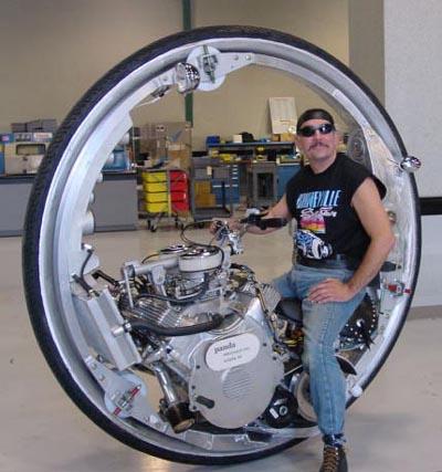 McLean V8 Monowheel